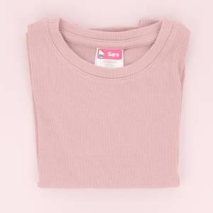 Marca la ropa con etiquetas de Hello Kitty